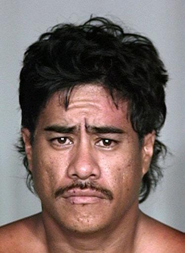 Hilo Man Sought On Two Outstanding Warrants 04 27 04